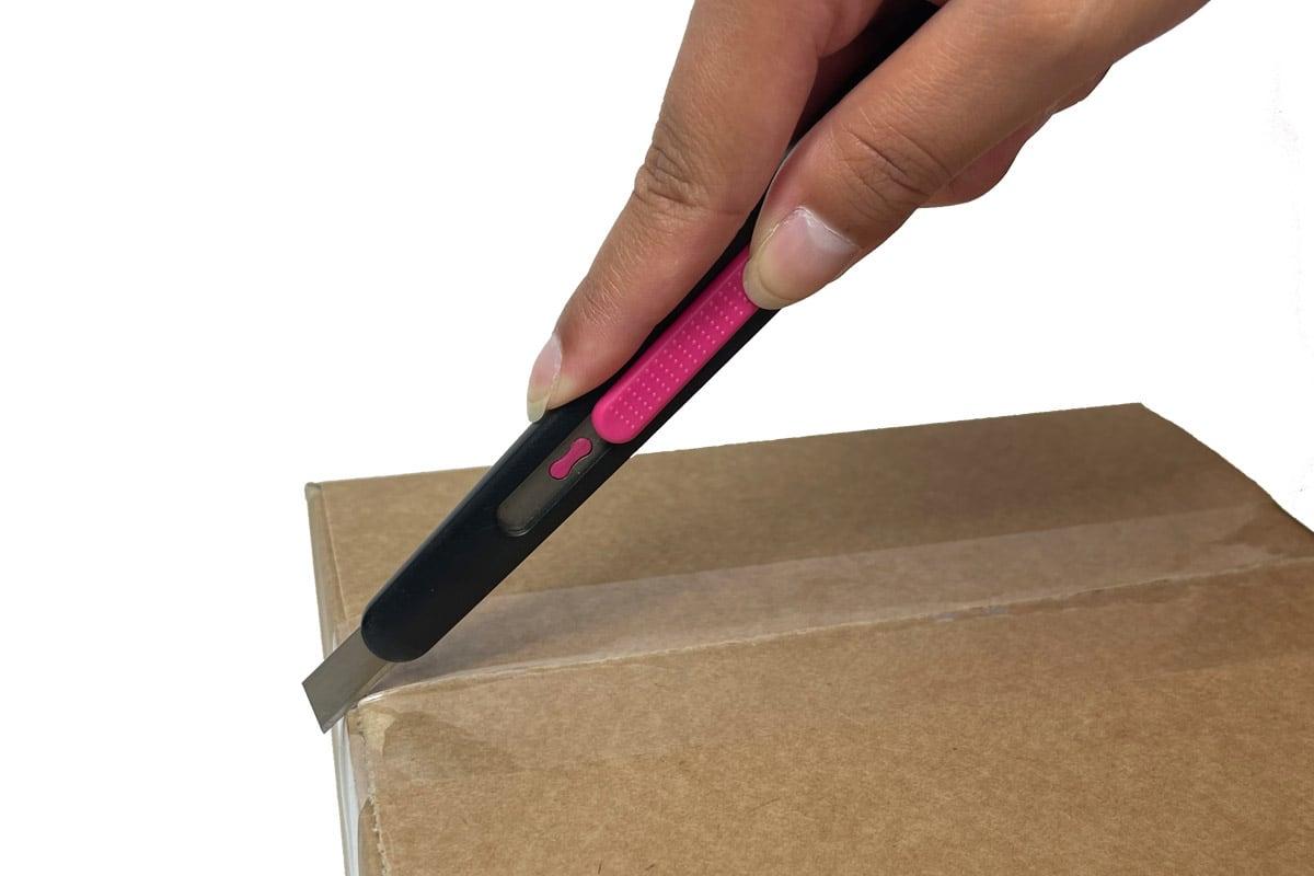 Veiligheidsmes 9mm + auto terugtrek  (PFK- 020) roze